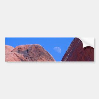 Rocas y luna rojas 01 pegatina de parachoque