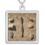 Rocas y palillo collares personalizados