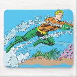 Rociadas de Aquaman a través del agua Tapete De Ratón