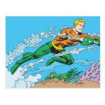 Rociadas de Aquaman a través del agua Tarjeta Postal