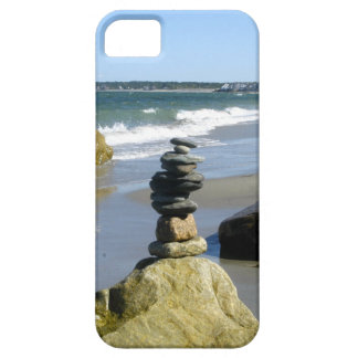 Rock cairn at Lake Erie iPhone SE/5/5s Case