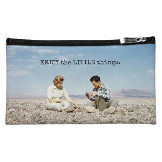 Rock Collecting Beach Rocks Cute Retro People Makeup Bag