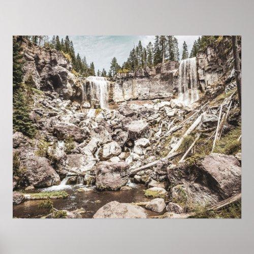 Rock Land Waterfall // Dull High Contrast