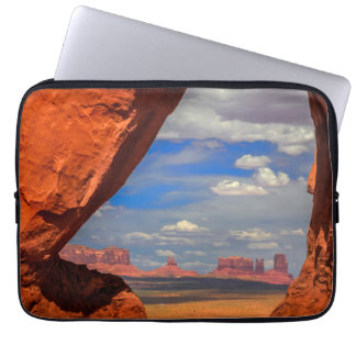 Rock window to Monument Valley, AZ Laptop Sleeve