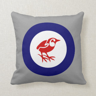Rock Wren roundel pillow