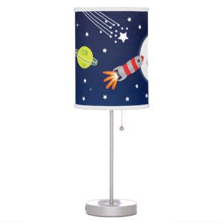 Rocket a la lámpara de la luna para los niños