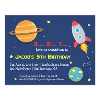 Rocket al fiesta del espacio exterior, cumpleaños invitación 10,8 x 13,9 cm