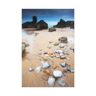 Rocks in the Sea Lienzo Envuelto Para Galerías