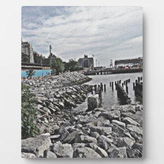 Rocks.jpg Plaques
