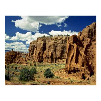 Rocky cliffs, Red Canyon, Utah rock formation Post Cards