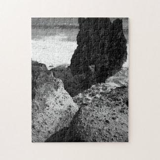 Rocky seascape puzzle