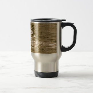 ROCKY SHORE AND WAVES IN SEPIA TRAVEL MUG