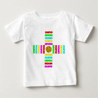 Rodeado por OMNOMs Camisetas