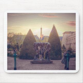 Rodin jardin du musée à l'heure d'or mousepad