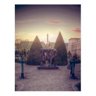 Rodin jardin du musée à l'heure d'or post card