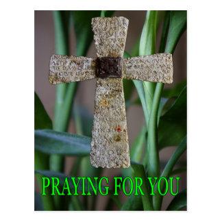 rogando para usted la postal de la cruz
