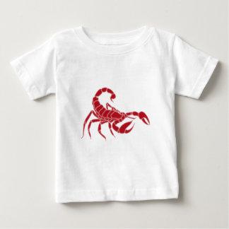 Rojo brillante del escorpión playera de bebé