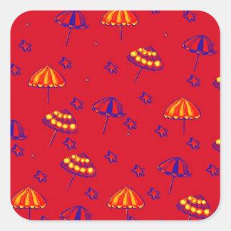 Rojo caprichoso del arte popular de los parasoles pegatina cuadrada