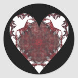Rojo, corazón negro blanco del fractal etiqueta redonda