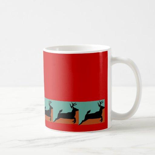 Rojo corrido ciervos taza de café
