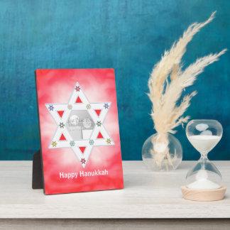 Rojo de la estrella y de los copos de nieve de Ján Placas