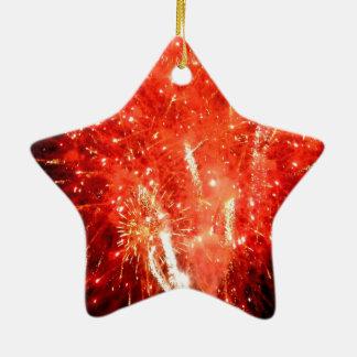 Rojo de la explosión adorno navideño de cerámica en forma de estrella