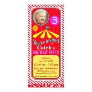 """Rojo de la fiesta de cumpleaños de la diversión de invitación 4"""" x 9.25"""""""