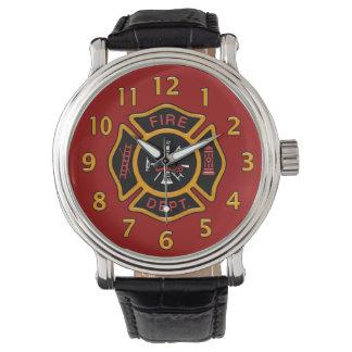 Rojo de la insignia del cuerpo de bomberos reloj de mano