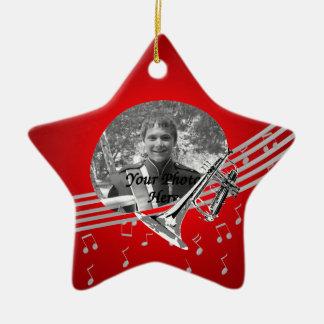 Rojo de la música de la trompeta adorno navideño de cerámica en forma de estrella