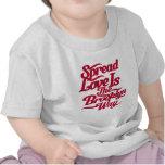 Rojo del amor de Brooklyn Camisetas