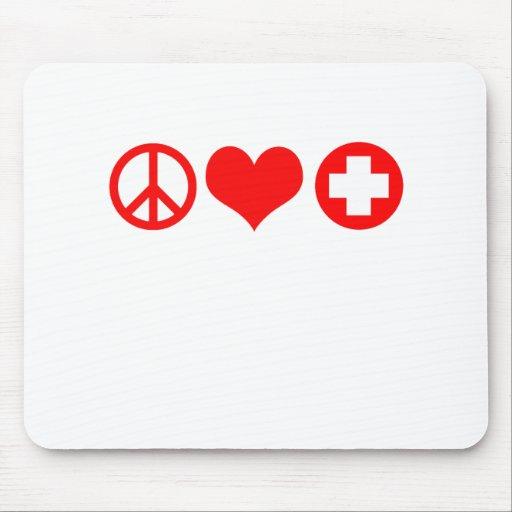 Rojo del amor y de la atención sanitaria de la paz tapetes de ratón