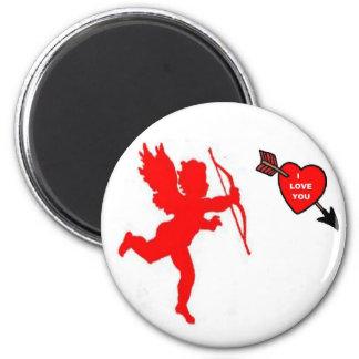 Rojo del Cupid y del corazón del imán