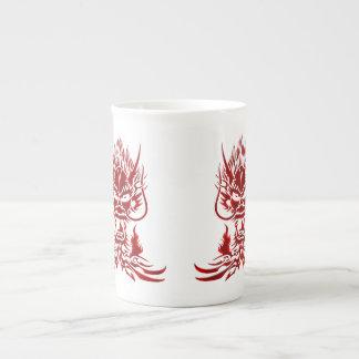 Rojo del dragón del diablo taza de porcelana