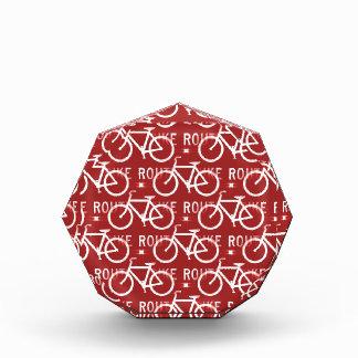 Rojo del modelo del ciclista de la bicicleta de Fi
