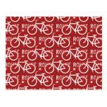 Rojo del modelo del ciclista de la bicicleta de postal