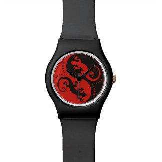 Rojo del negro de los Geckos de YIN y de YANG + su Relojes De Pulsera