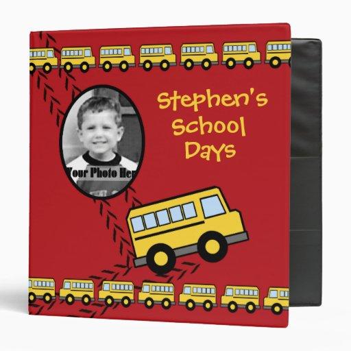 Rojo del recuerdo del autobús escolar con la foto