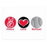 Rojo del softball del amor de la paz postal