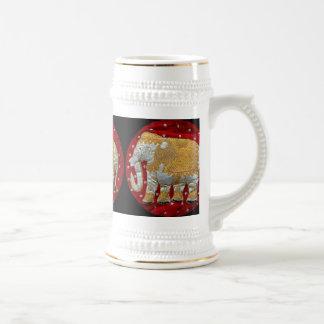 Rojo embellecido y oro del elefante indio jarra de cerveza