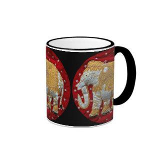 Rojo embellecido y oro del elefante indio taza de dos colores