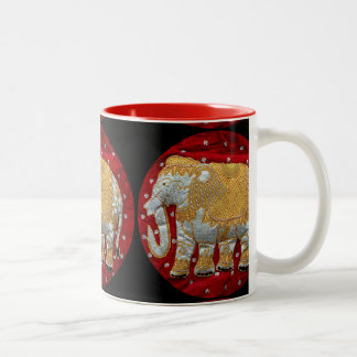 Rojo embellecido y oro del elefante indio taza de dos tonos