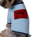 Rojo esquelético del caballo camisetas mascota