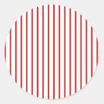 Rojo estrecho de la raya + Color de encargo Pegatina Redonda