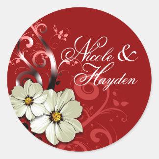 Rojo floral adornado del favor el | del Flourish Pegatina Redonda