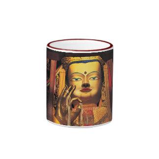 Rojo futuro de la taza del anillo de Buddah