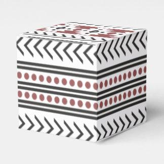 Rojo geométrico del modelo de la impresión tribal cajas para regalos