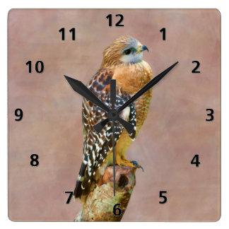 Rojo-Llevó a hombros el halcón Reloj Cuadrado