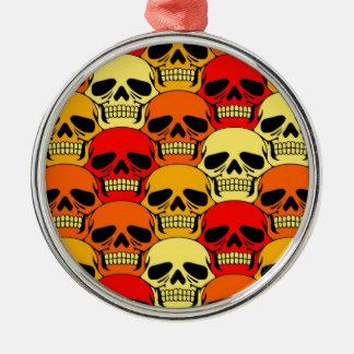 Rojo, naranja y amarillo del modelo del cráneo que adorno navideño redondo de metal