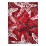 Rojo nupcial de las estrellas de mar de la ducha invitación 12,7 x 17,8 cm