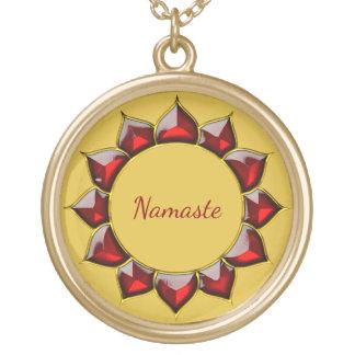 Rojo/oro de Namaste Collar Dorado